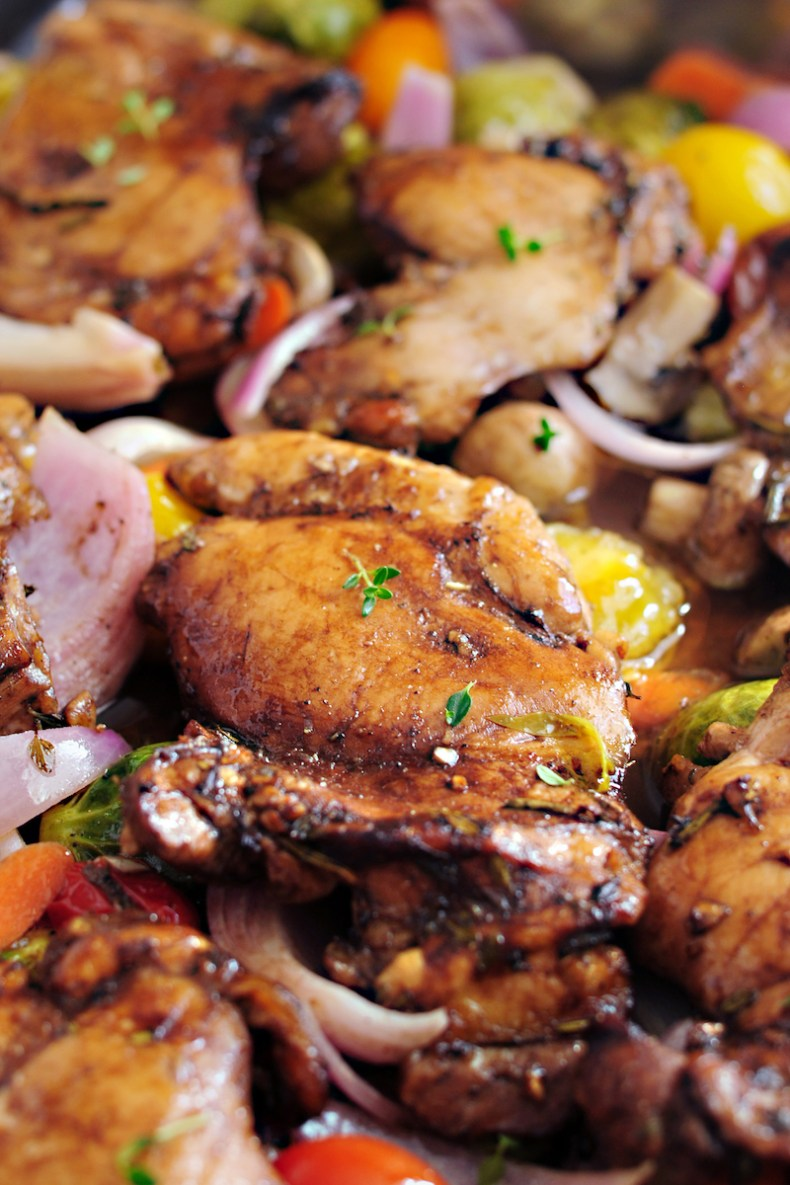 Balsamic chicken and roasted vegetables all in ONE pan. It's gluten free and low carb. You can change up the vegetables each time! This type of one-dish meal is my favorite. Hope you enjoy too!