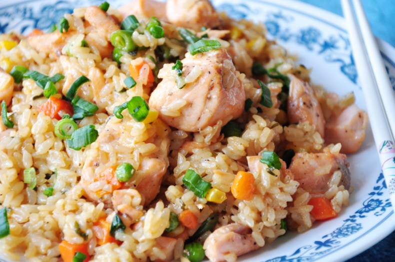 You are only 30 mins away from this simple yet savory fried rice dish cooked with salmon and green onions in teriyaki sauce and a drizzle of oyster sauce.