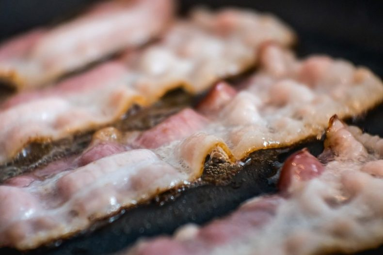 How To Tell If Bacon Is Bad 3 Easy Ways To Find Out Streetsmart