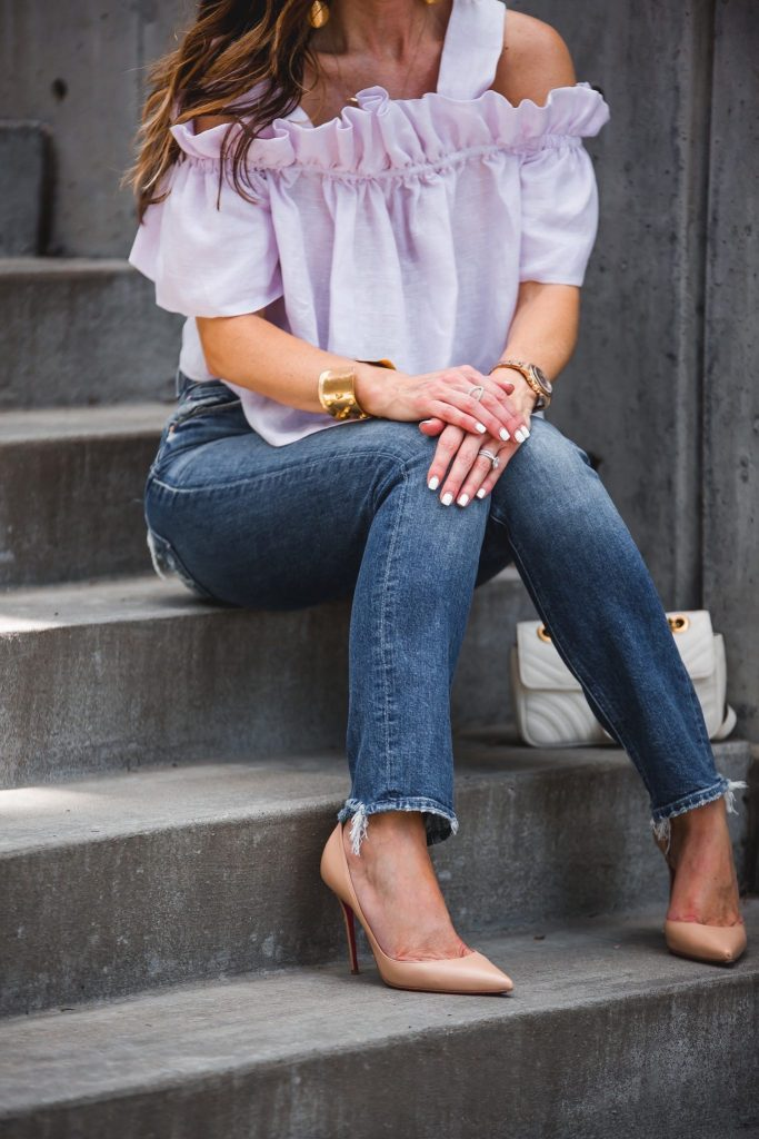 Whit Mariposa Linen Top// MOTHER Jeans// LAGOS Crossover Ring// Harper Hallam Gold Bracelet