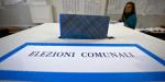 Elezioni Comunali 2021, affluenza alle urne alle ore 23 in Sicilia e Sardegna. Domani riprendono le operazioni di voto