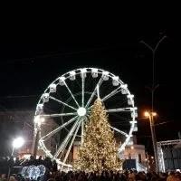 Lacrime e commozione a Piazza Cairoli, inaugurati ruota panoramica e albero: il Natale di Messina si accende nel ricordi di Fifì e Nanna [FOTO e VIDEO]