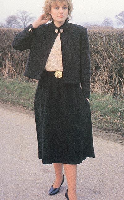 Kurze Jacke mit passendem Rock, short jacket with matching skirt