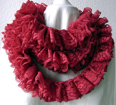 Jabot bzw. Schal aus Red Heart Sassy Lace