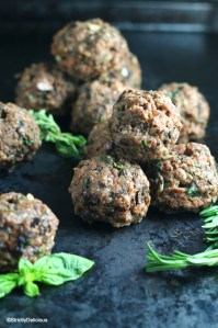 Paleo Mushroom Herb Baked Meatballs | StrictlyDelicious.com