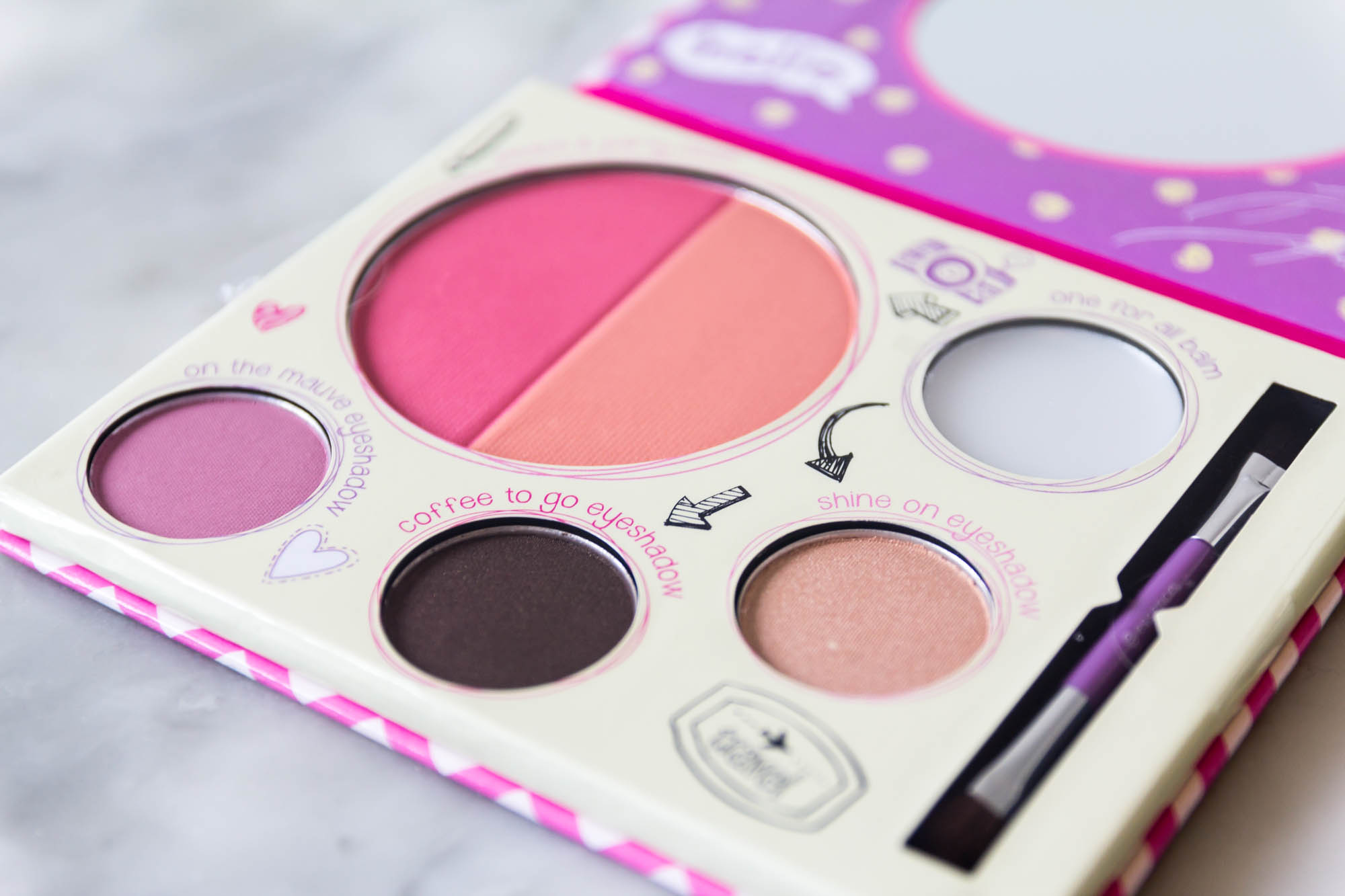 essence cosmetics touch up to go one for all palette