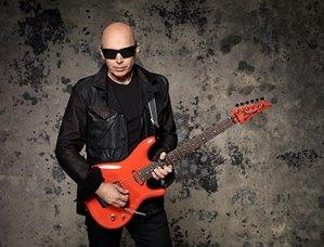 Joe-Satriani-photo-credit-Larry-Dimarzio_04_14