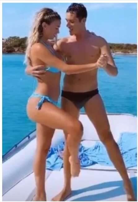 Diletta Leotta: tango in barca con un uomo misterioso