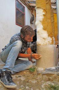 Earthbag-Tadelakt-Cobsäulen-Wand