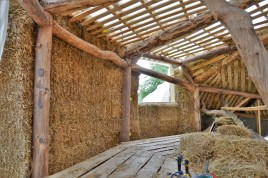 2016-7-13-strawbale-hobbithouse-sweden-29