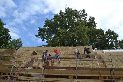 strawbalehouse-ernstbrunn-roof-infill-27