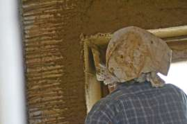 strawbalehouse-summerau-clayplaster-107