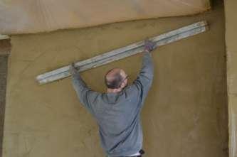 strawbalehouse-summerau-clayplaster-89