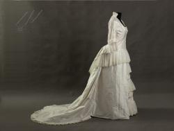 Suknia-ślubna-1880r-1-2