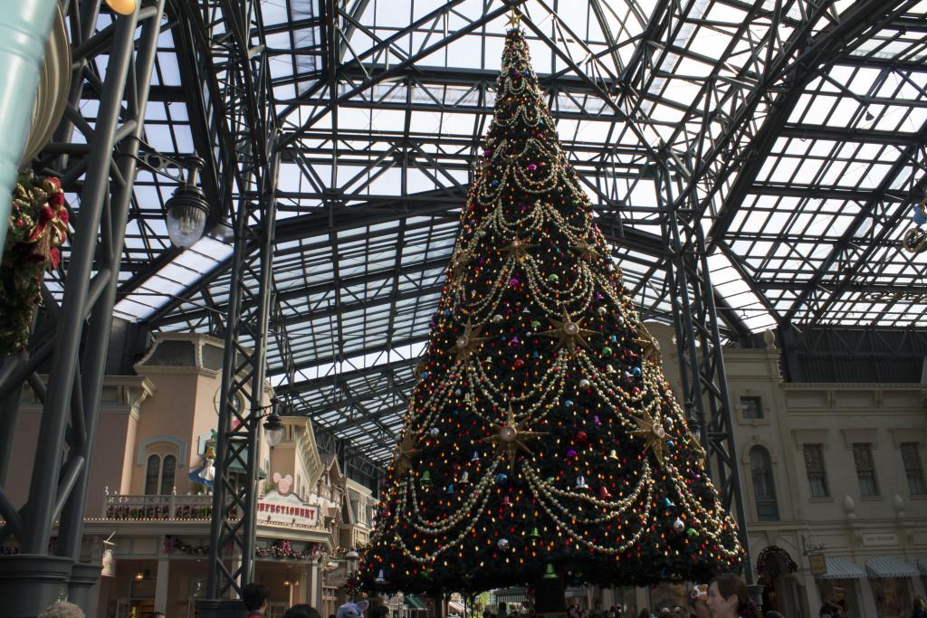 Tokyo Disneyland Christmas tree