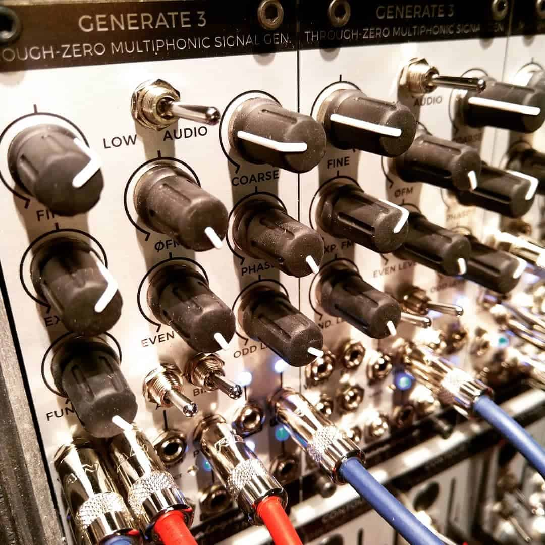 Generate 3 a Through-zero Multiphonic Signal Generator by