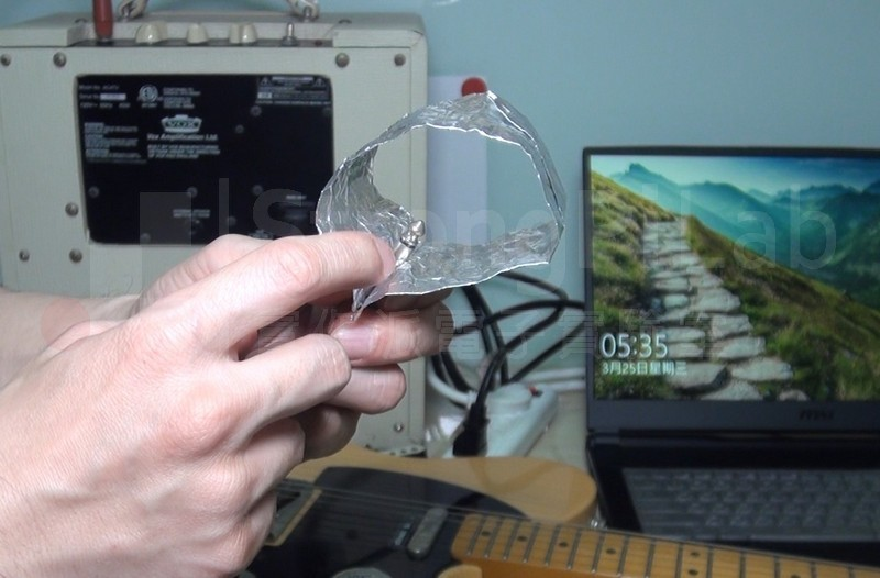 用接地金屬隔離 電磁波