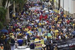 Puerto Rico: leyes benefician a millonarios extranjeros mientras el pueblo se ahoga