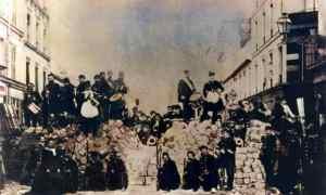 Long live the Paris Commune!