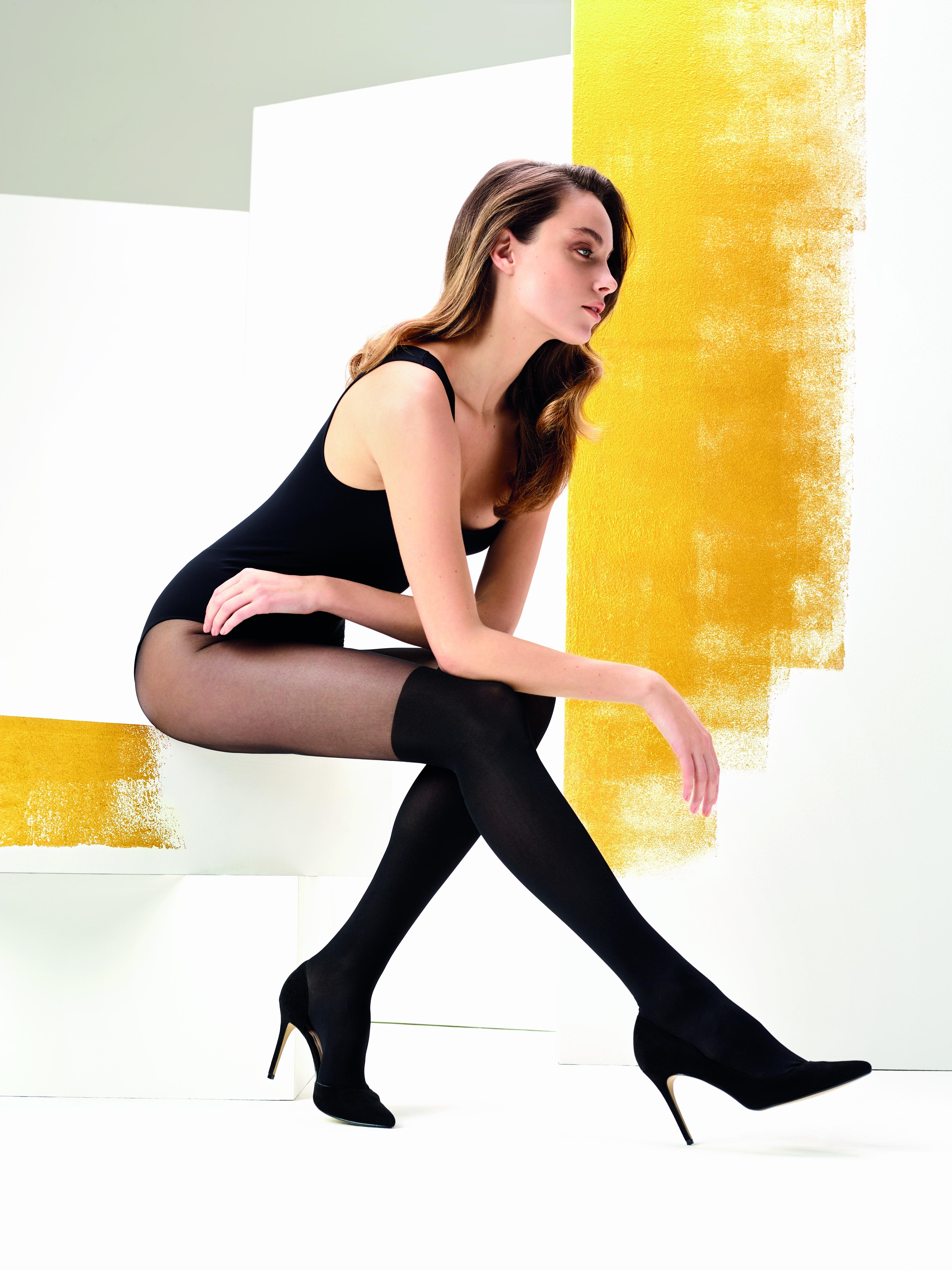Omero Pauline - Feinstrumpfhose mit Muster im Overknee-Look