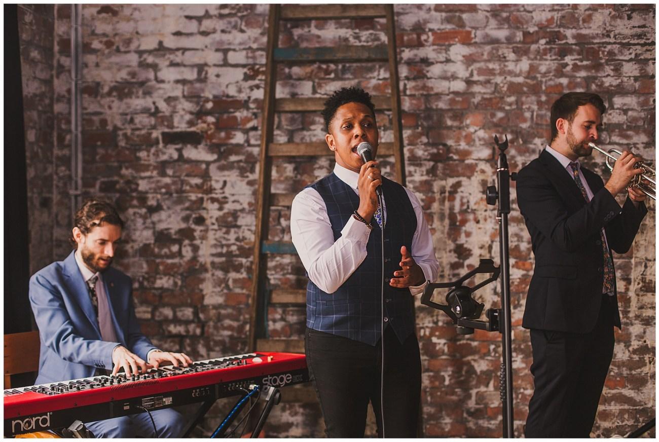 soul band singing