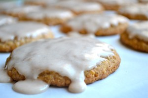 Oatmeal Cookies with Cinnamon Icing