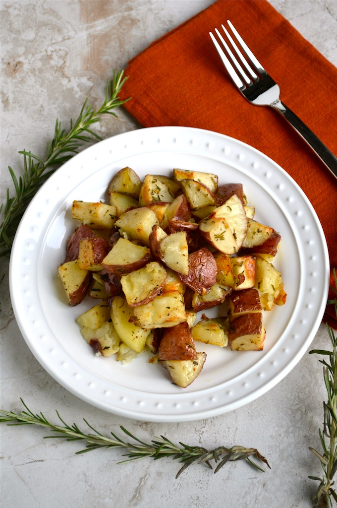 Rosemary Roasted Potatoes | stuckonsweet.com
