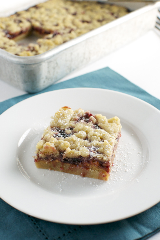 Peanut Butter and Jelly Shortbread Bars | stuckonsweet.com