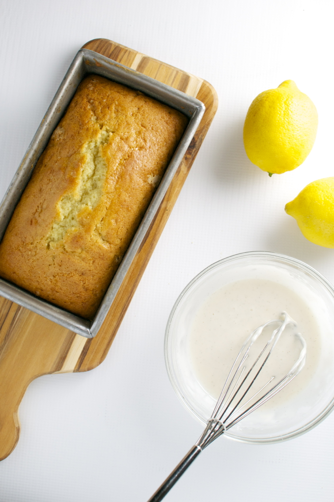 Lemon Bread | stuckonsweet.com