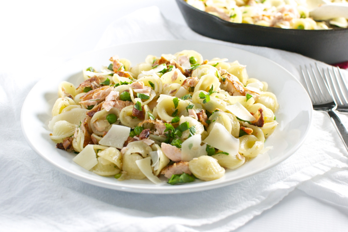 Salmon, Pea and Bacon Pasta | stuckonsweet.com