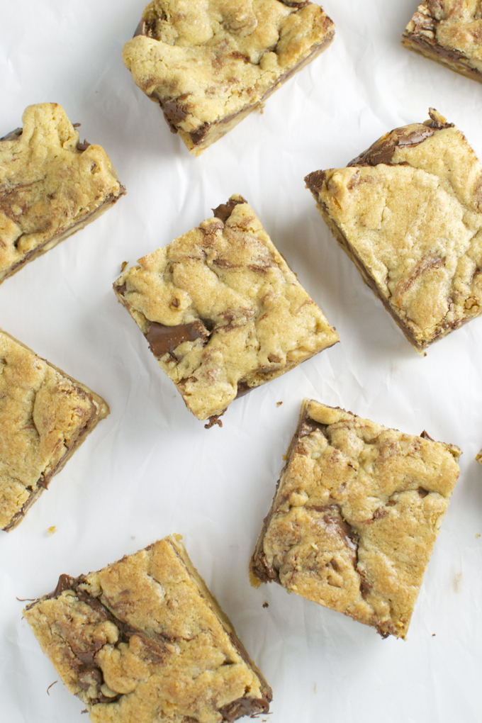 Nutella Walnut Cookie Bars | stuckonsweet.com