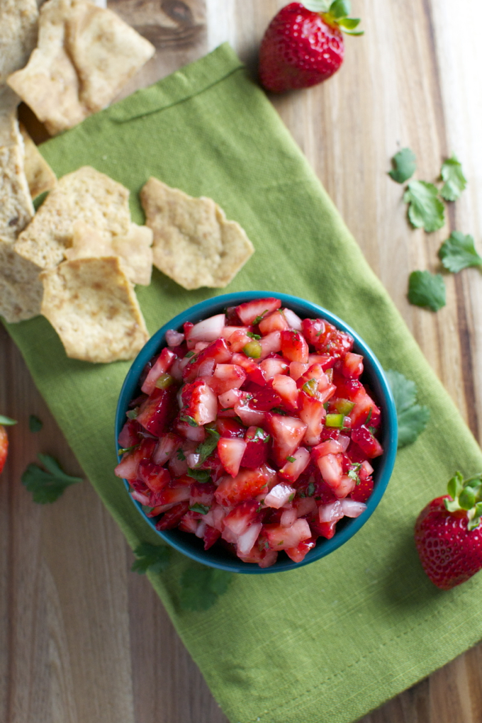 Strawberry Salsa | stuckonsweet.com