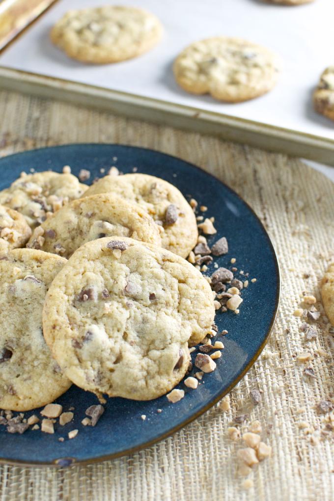 Chocolate Chip Toffee Cookies | www.stuckonsweet.com