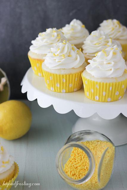 lemon cream pie cupcakes