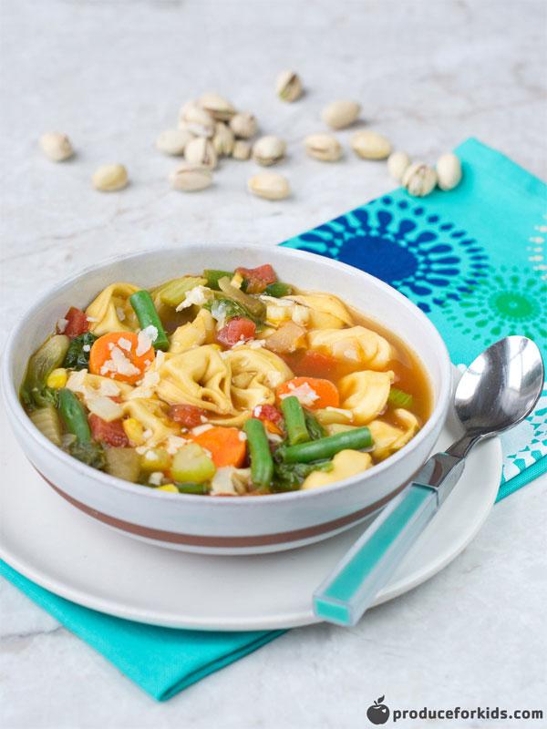 30-Minute Veggie Tortellini Soup