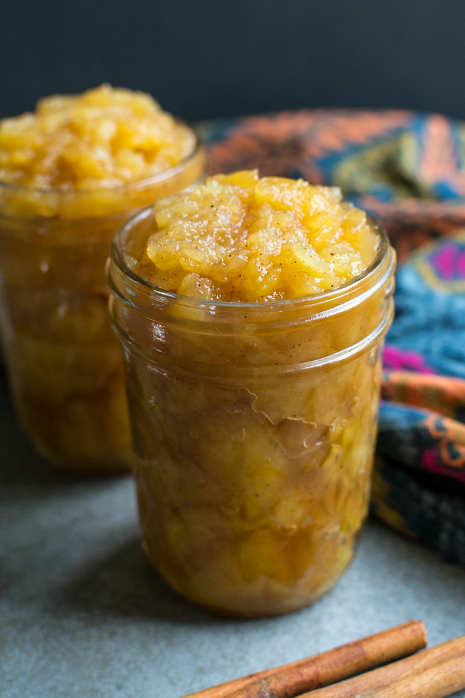 Homemade Applesauce | www.stuckonsweet.com