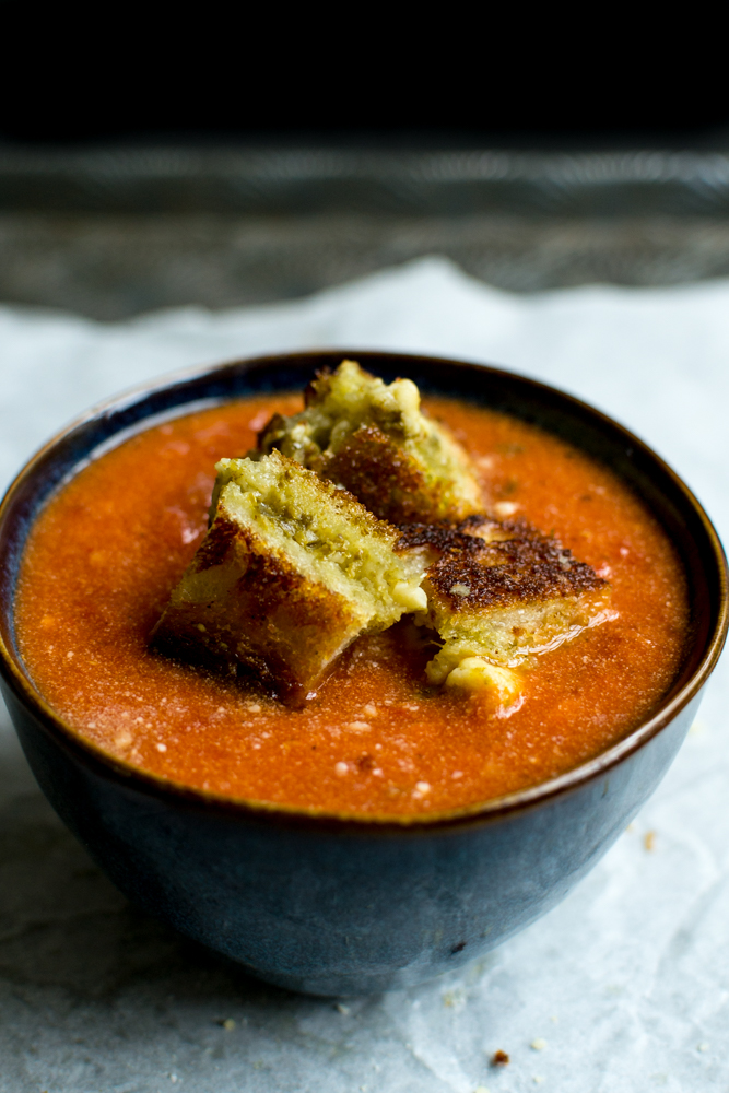 Tomato Soup with Pesto Grilled Cheese | www.stuckonsweet.com
