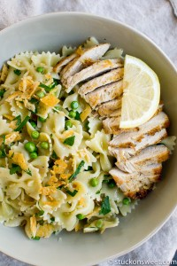 My favorite lemon garlic pasta with chicken and peas