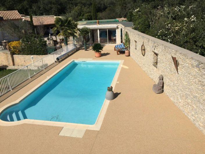 Granulats de marbre couleur Jaune - Tour de piscine à Nîmes