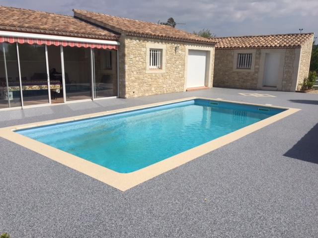 Tour de piscine en Granulats de Marbre couleur Bleu Turquin - 30870 Clarensac