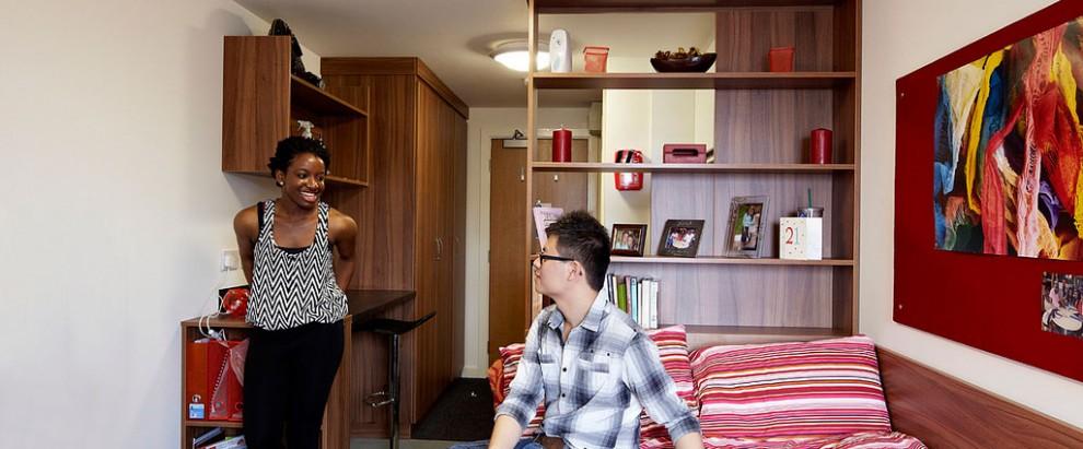 fresh-student-living-student-living-heights-02-studio-bronze-photo-01-990x411.jpg