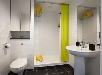 357_couple-bathroom1.jpg