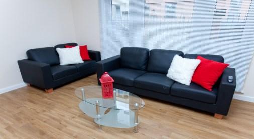 Groves_livingroom4.jpg
