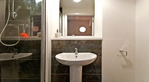 studios-bathroom3.jpg