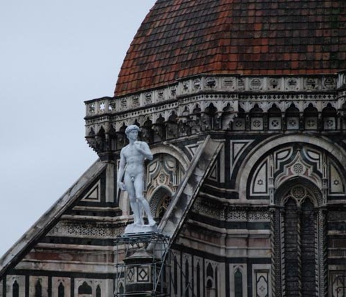 statue-of-david-placed-on-top-of-duomo