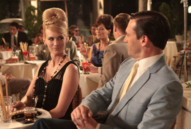betty-draper-speaks-Italian-parla-italiano-mondo-pazzo-mad-men-American-TV-Series