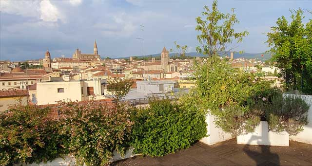 homestay-italian-language-vacation-arezzo-enza-cultura-Italiana