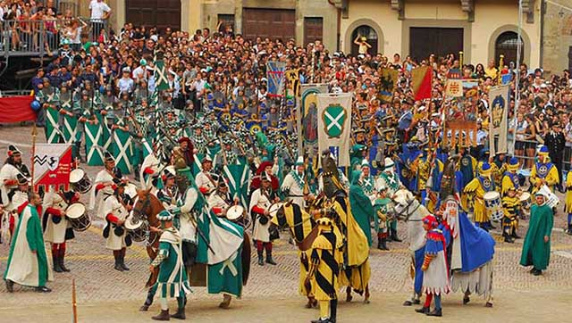 joust-arezzo-celebrate-like-italian-giostra-saracino-Festival-Learn-Italian-immersion-program