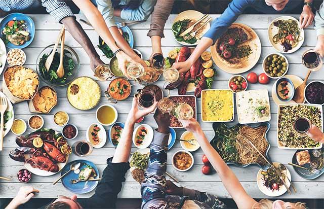 Italian-Culture-Food-Celebration-Tutti-a-Tavola-Puglia-Ferragosto-Panzerotti