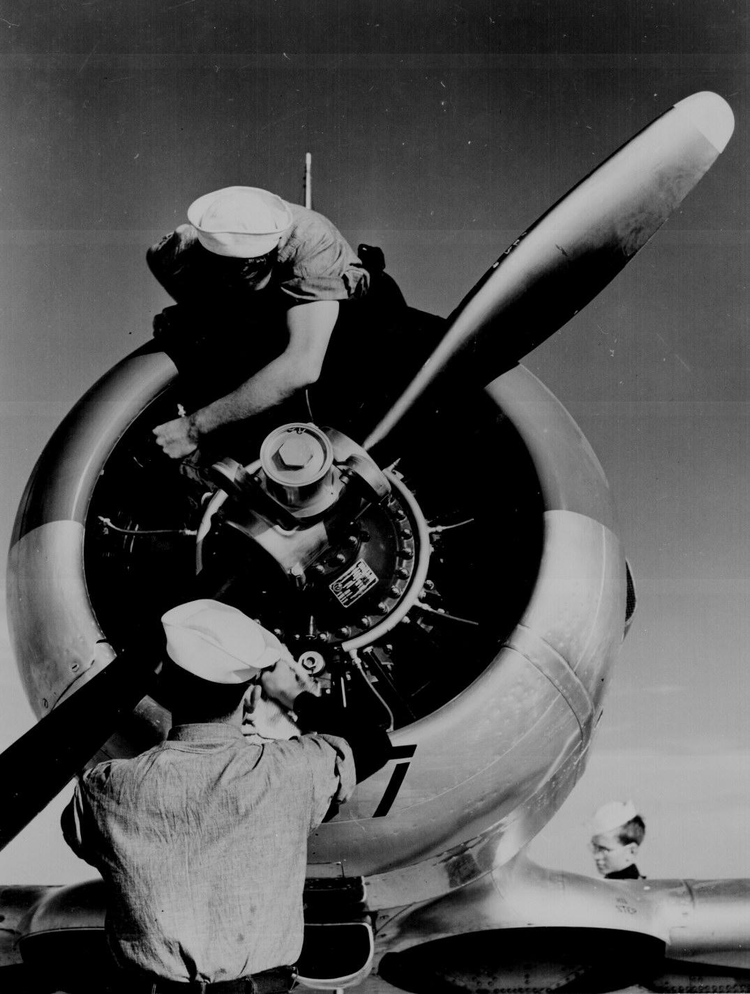 World War Ii Airplane Mechanics In Texas